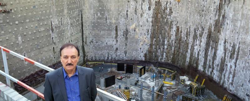پور فرج در کنار پروژه بزرگترین هتل ایران